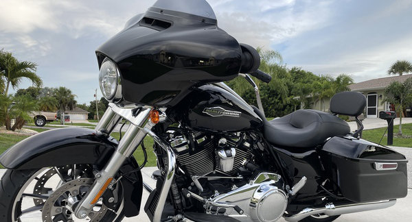 Harley FLHX Street Glides Fetching Top Dollar